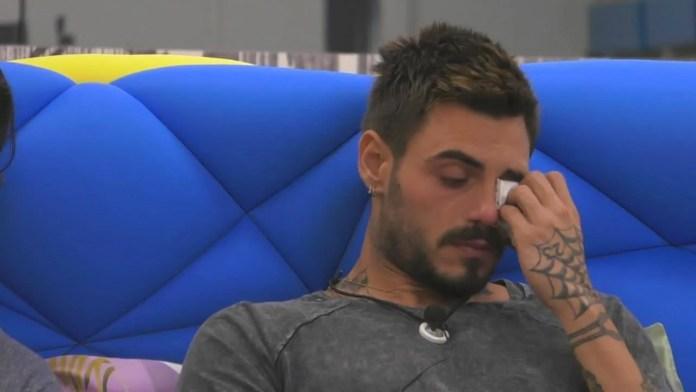 Francesco Monte piange
