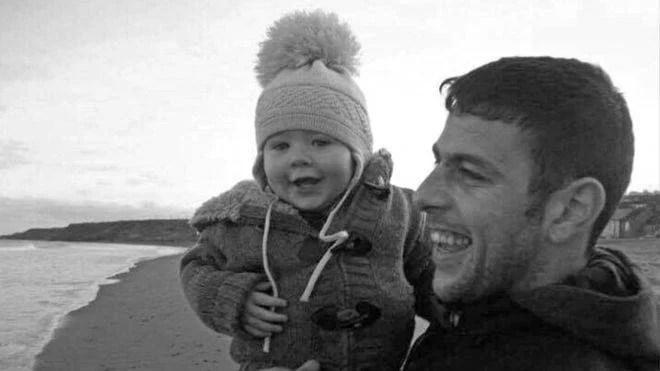 bambino scrive al papà in cielo