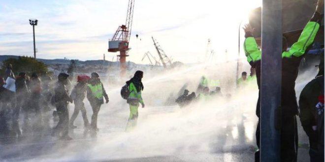 Obbligo di Green pass sul posto di lavoro: si accende la protesta nel porto di Trieste