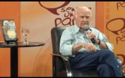 """Entrevista com Professor Hermógenes um dos precursores do Yoga no Brasil no programa """"Sempre um Papo"""""""