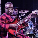 Dekula, ou le roi de la guitare congolaise en Scandinavie