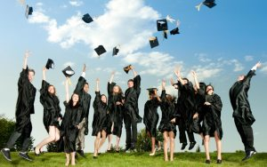YOUNG GRADUATES, HOW TO REACH SUCCESS AT THE BEGINNING OF YOUR CAREER?