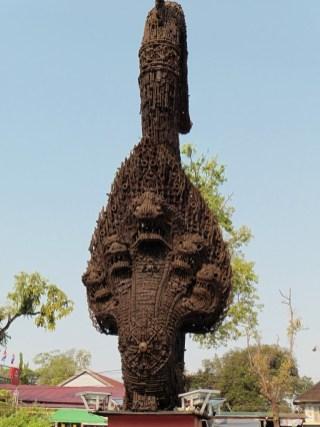 Monumento por la paz y el desarrollo en Battambang