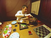 Preparando barbacoa de ternera Higo, Kumamoto