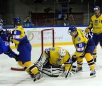 Сборная Украины разгромной победой прервала серию неудач на ЧМ по хоккею