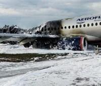 """""""Черный ящик"""" сгоревшего в Шереметьево самолета получил серьезные повреждения"""