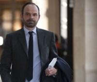 """Премьер Франции: большинство граждан не поддерживает акции """"желтых жилетов"""""""