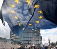 В Чехии правящая правоцентристская партия победила на выборах в Европарламент