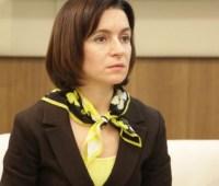 Додон назначил Санду премьером после решения КС о роспуске молдавского парламента