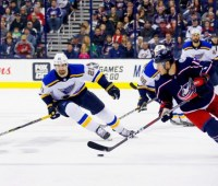 Действующий обладатель Кубка Стэнли потерпел второе поражение подряд в НХЛ