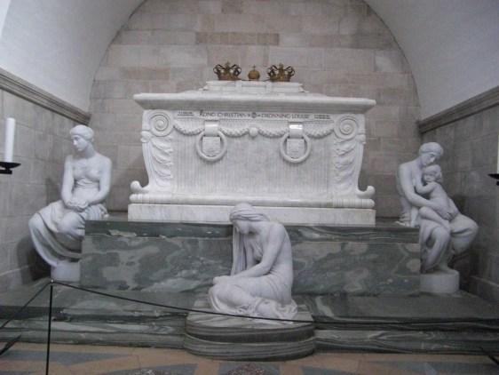 Tomb_Christian IX_Louise