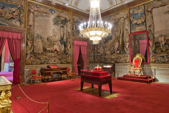 The Crown Room. source: Patrimonio Nacional