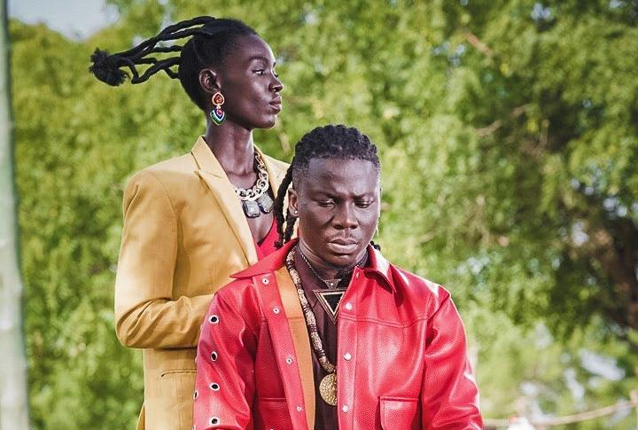 "Stonebwoy Premieres Visuals to Traditional Masterpiece ""Le Gba Gbe"""