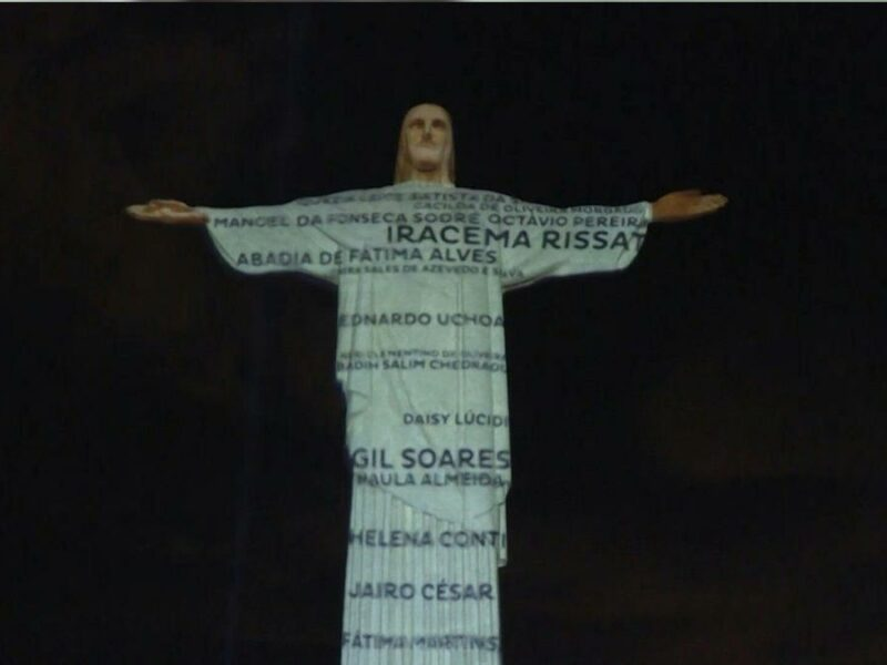 The Christ the Redeemer of Brazil pays tribute to coronavirus victims