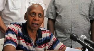 El disidente cubano, Guillermo Fariñas, en una comparecencia pública. | Foto: EFE