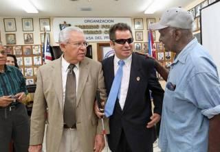 El disidente cubano Juan Carlos González Leiva durante una conferencia de prensa en la Pequeña Habana