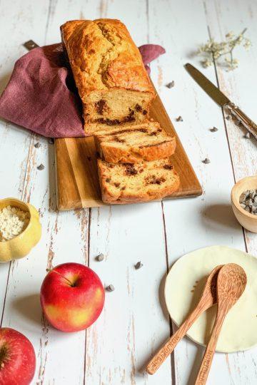 Cake moelleux aux pommes et chocolat