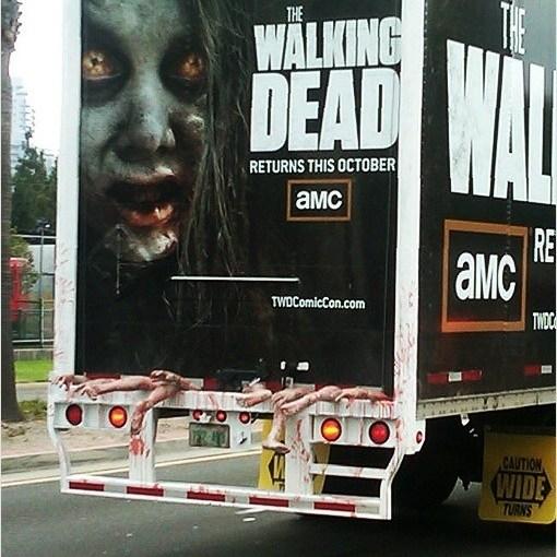 Camión publicitario de la serie The Walking dead, segunda temporada