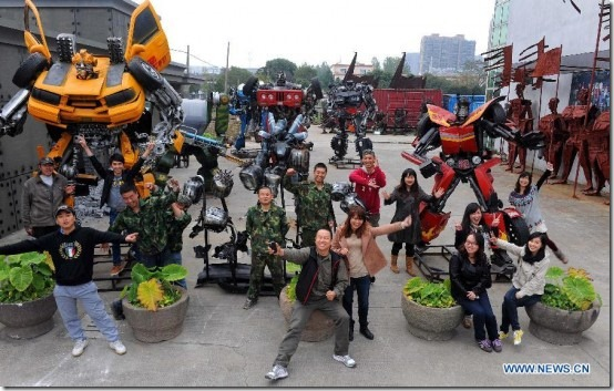 Mr-Iron-Robot-transformers-theme-park-2-unpocogeek.com