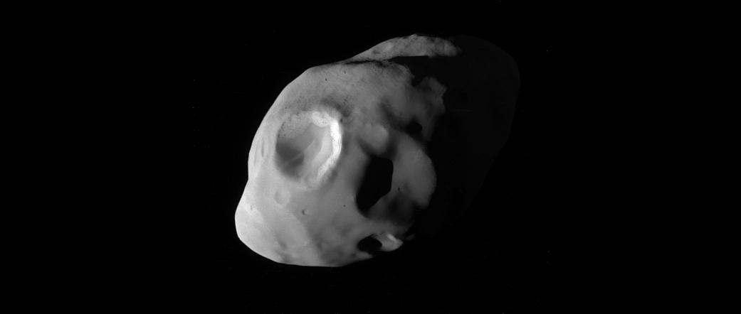 Nuevas fotografías de Titán y Pandora, lunas de Saturno