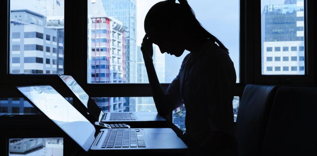 Facebook y una cantidad mensual abrumadora de casos de abuso sexual reportados en su red