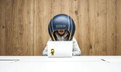 El casco para aislarte de todo en la oficina