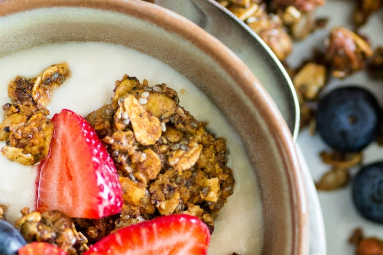 Vegan Superfood Granola II. Oil- and Sugar-free