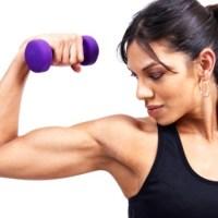 Faire du sport pour affiner ses bras