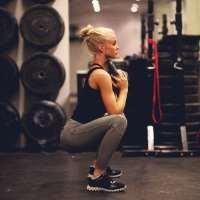 De jolies fesses avec les squats