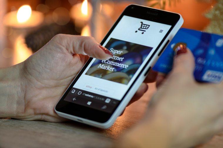 eCommerce Mobile Shopping