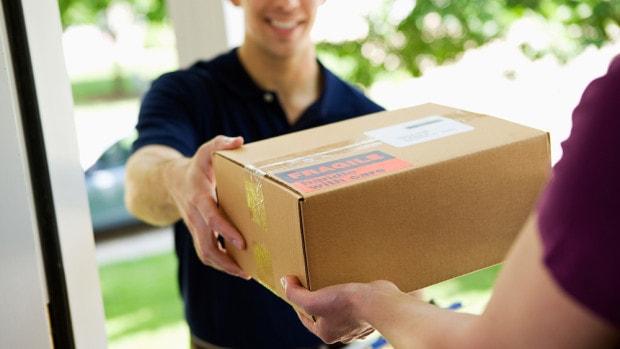 cum trimiti pachet acasa