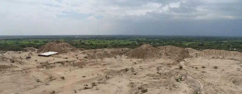 Vue sur les pyramides de Túcume, depuis le Purgatoire