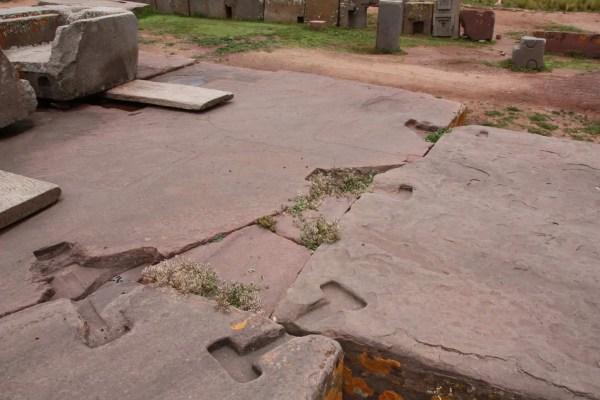 Puma Punku, pierres géantes, Tiwanaku, jointures metallique