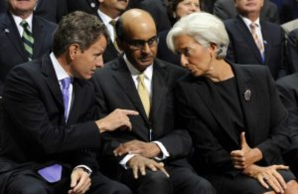 DPM Tharman chatting with IMF Managing Director Christine Lagarde and then-US Treasury Secretary Timothy Geithner during the World Bank and International Monetary Fund Annual Meetings in Washington, DC, on September 24, 2011. Photo by UPI.com