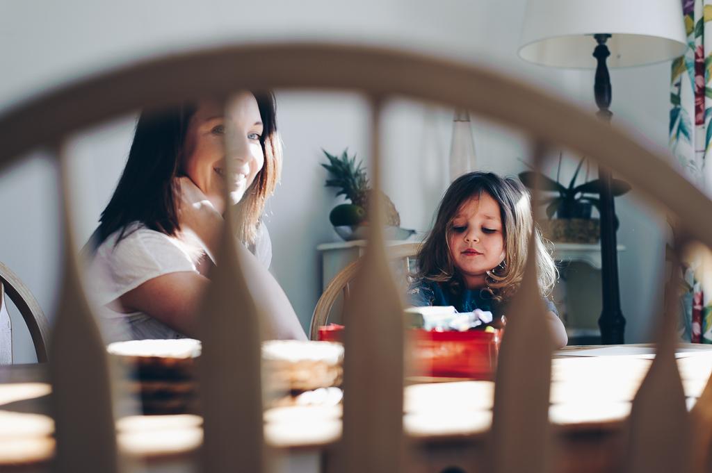 mum and daughter breakfast