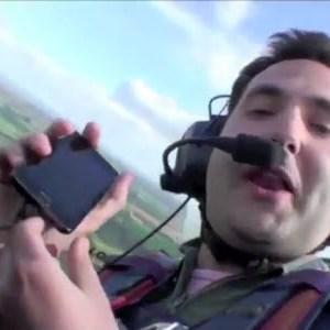 Le Galaxy S II fait des looping