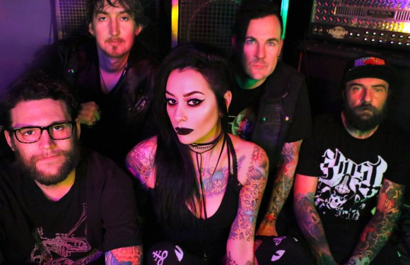 """Lola Black Release New Music Video for """"Dead to Me"""""""