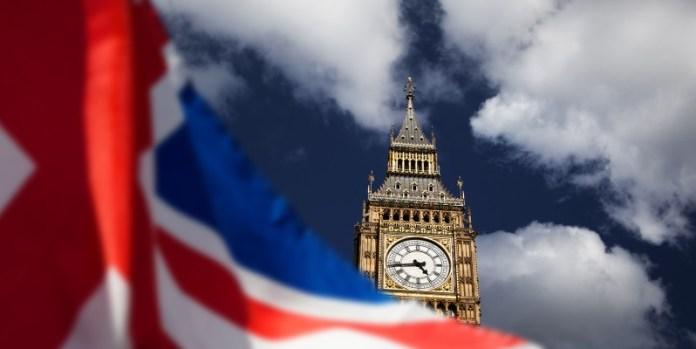 Wolken am Horizont: Der Brexit sorgt für Unsicherheit zwischen EU und Großbritannien (© fotolia/Melinda Nagy)