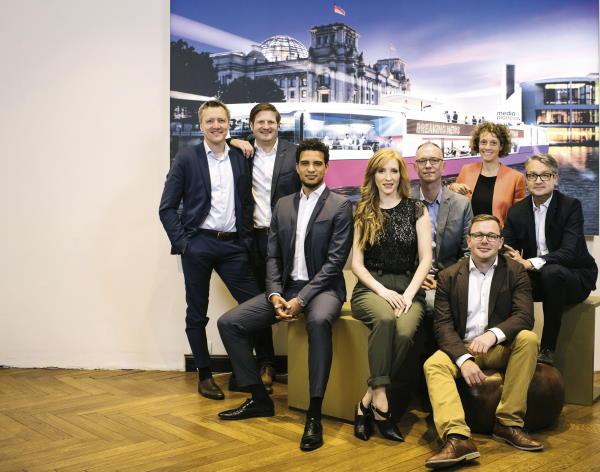 Das Team von Media Pioneer Publishing rund um Gabor Steingart (ganz rechts): Der Axel Springer Konzern will mit seiner Beteiligung nah dran sein an digitalen Innovationen im Journalismus.