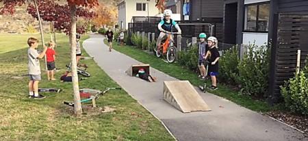 6 year old bike twins