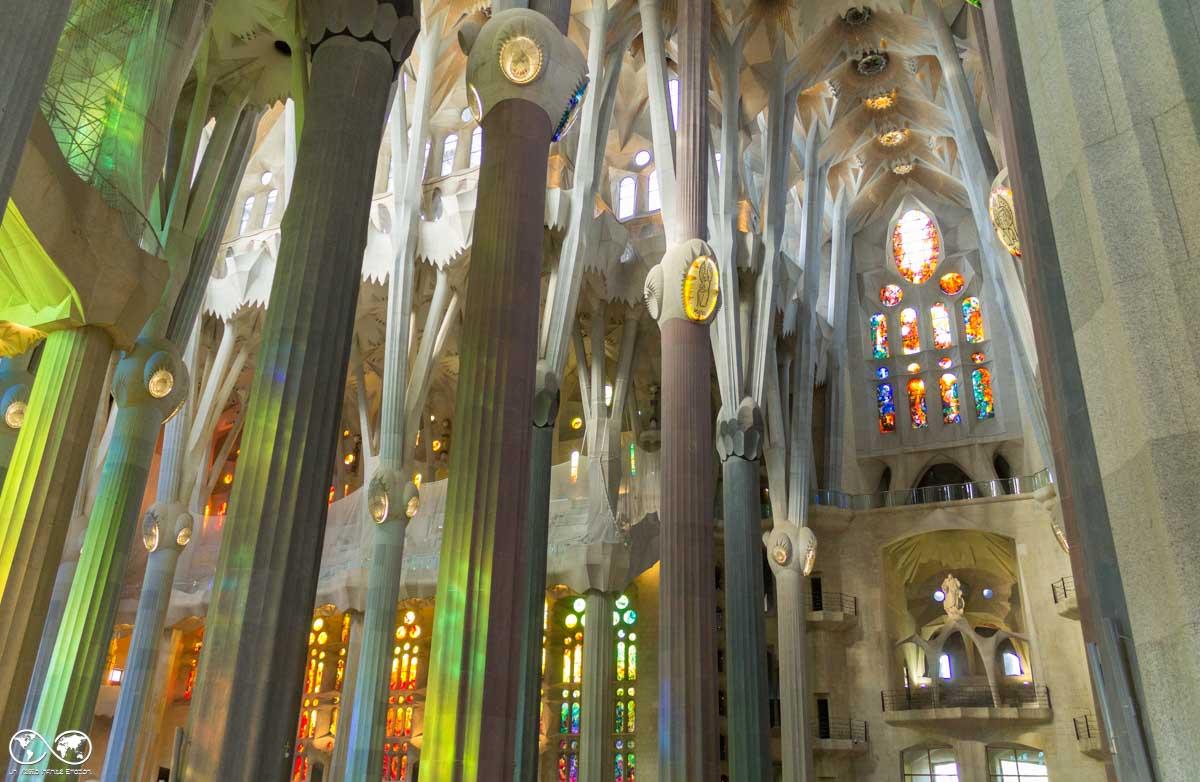 Barcellona: interno della Sagrada Familia