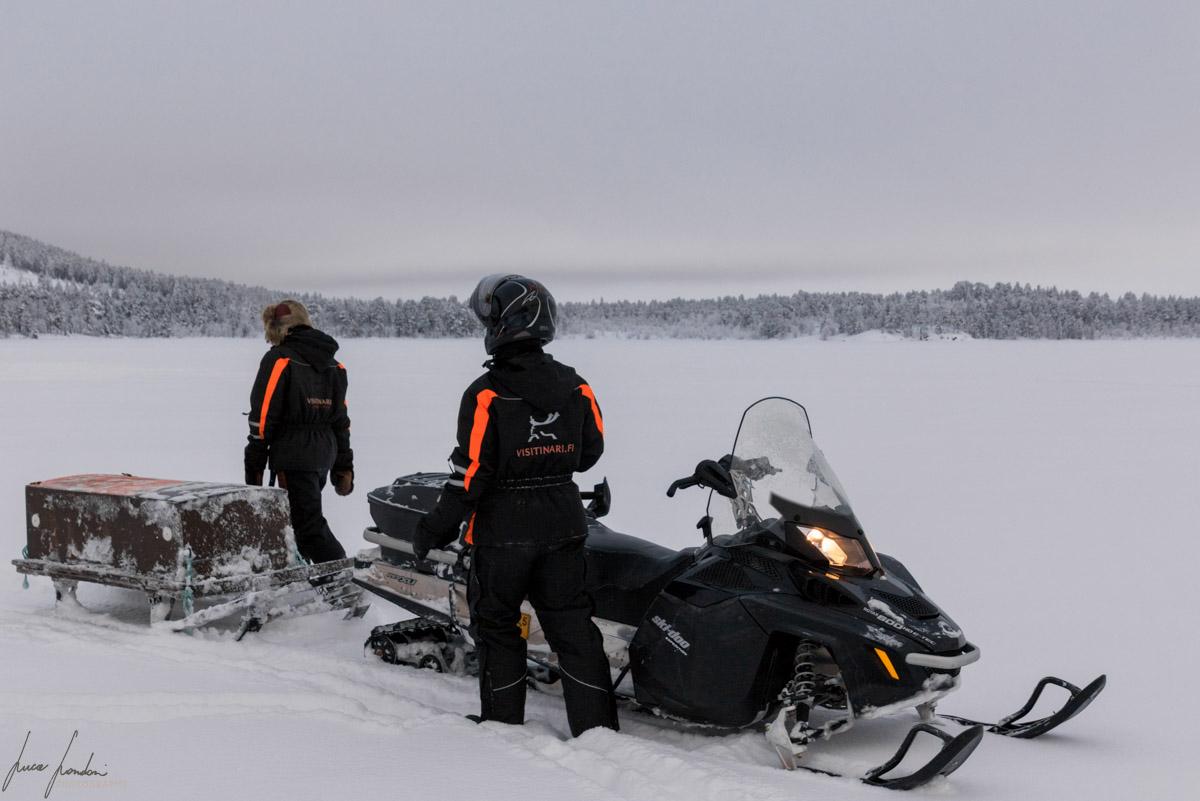 Cosa fare a Inari: Motoslitta e ice fishing