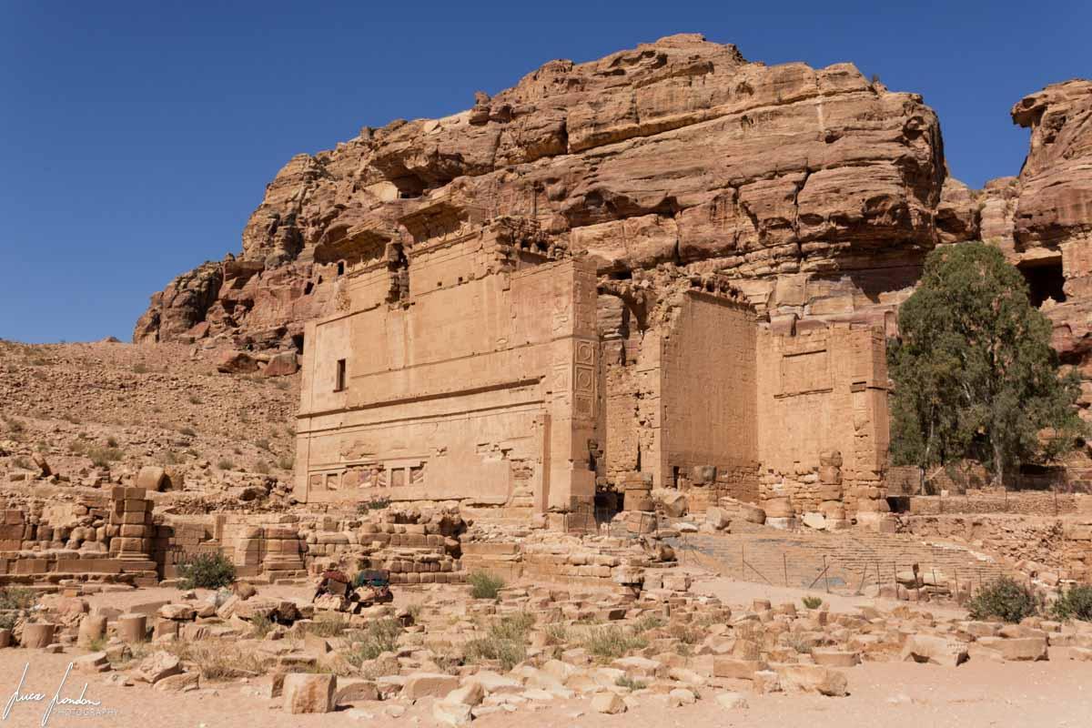 Petra: Qasr al-Bint