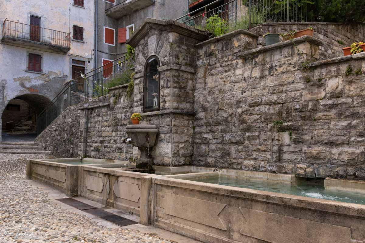 Pigra: Piazza Fontana