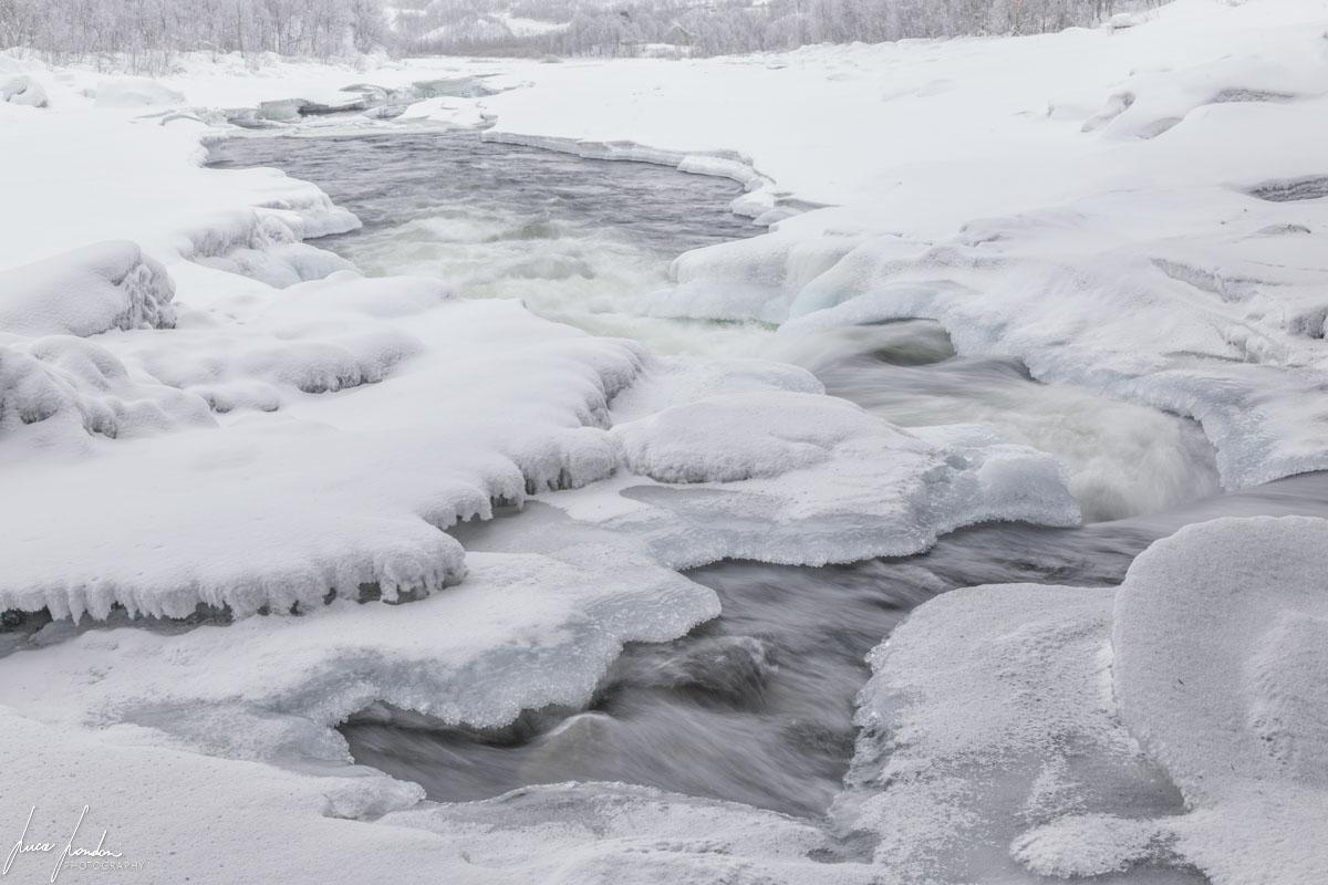 Villaggi Sami: Rapide di Alaköngäs vicino al villaggio di Nuorgam