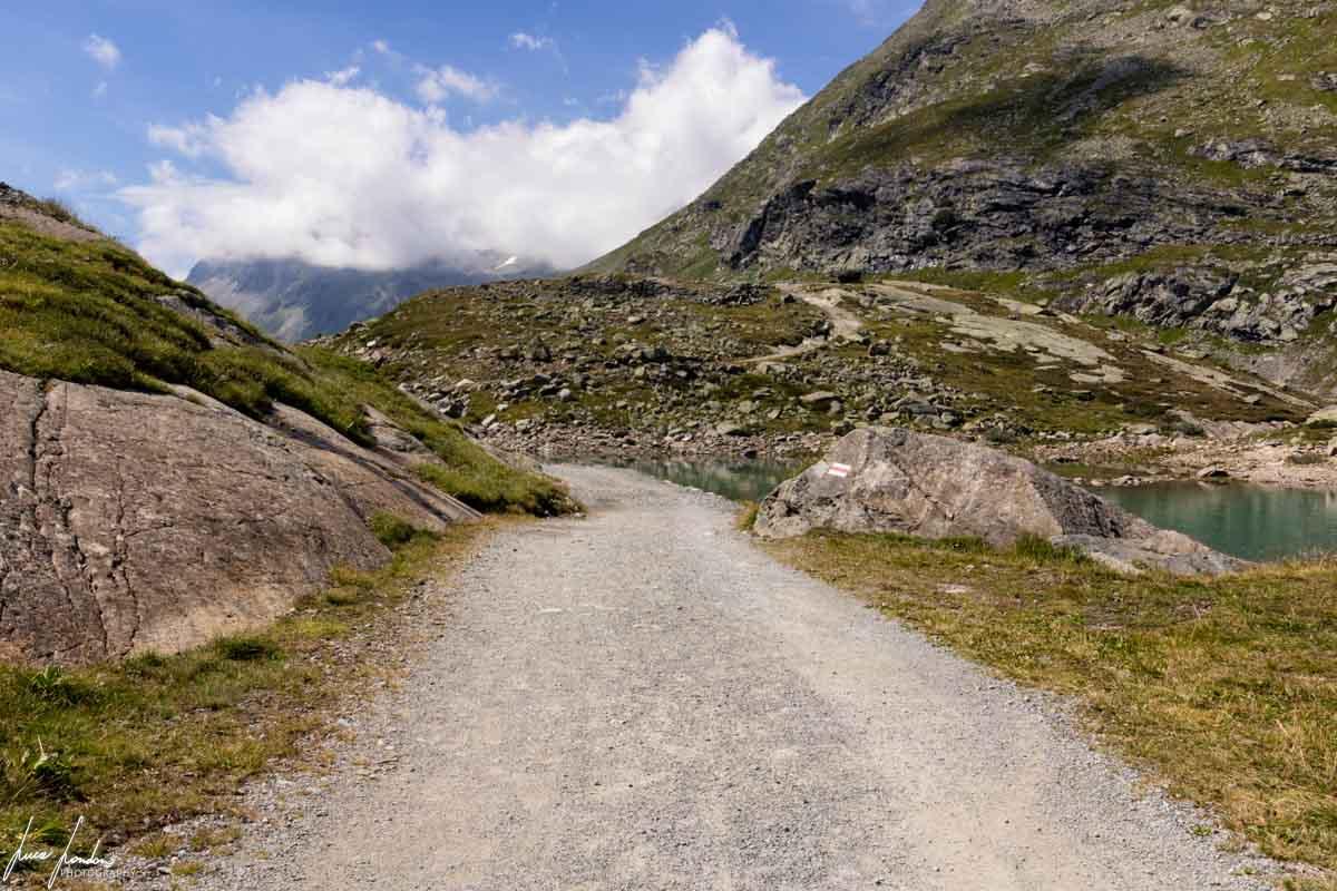 Sentiero verso il Lago Bianco