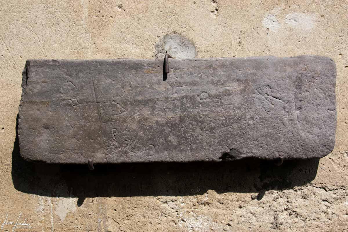 Incisioni rupestri ritrovate a Piero