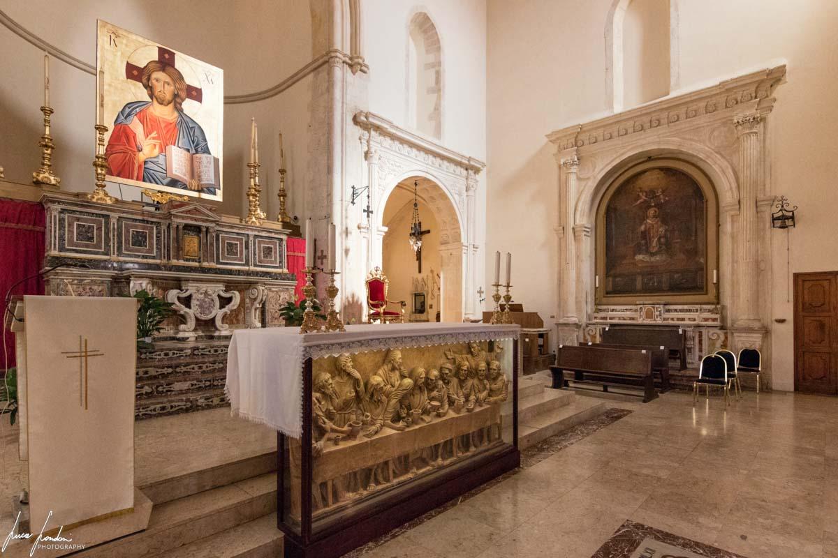 Interno del Duomo di Taormina