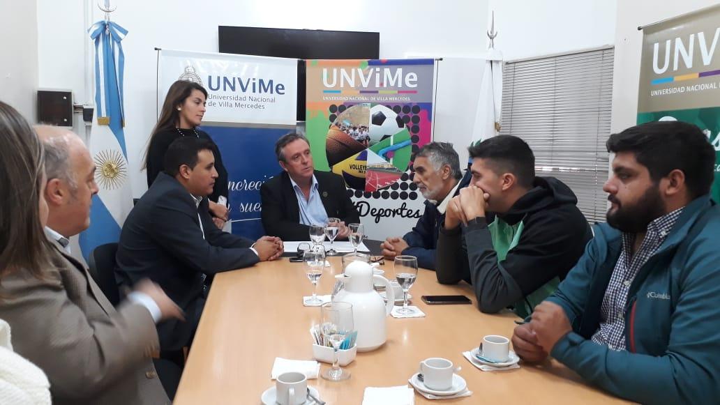 La universidad firmó convenios con entidades deportivas con beneficios para toda la comunidad universitaria de la UNViMe