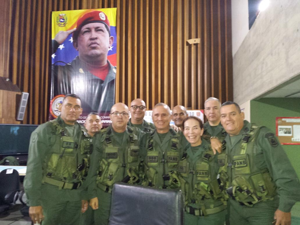 The military stands by the Constitutional government of Venezuela